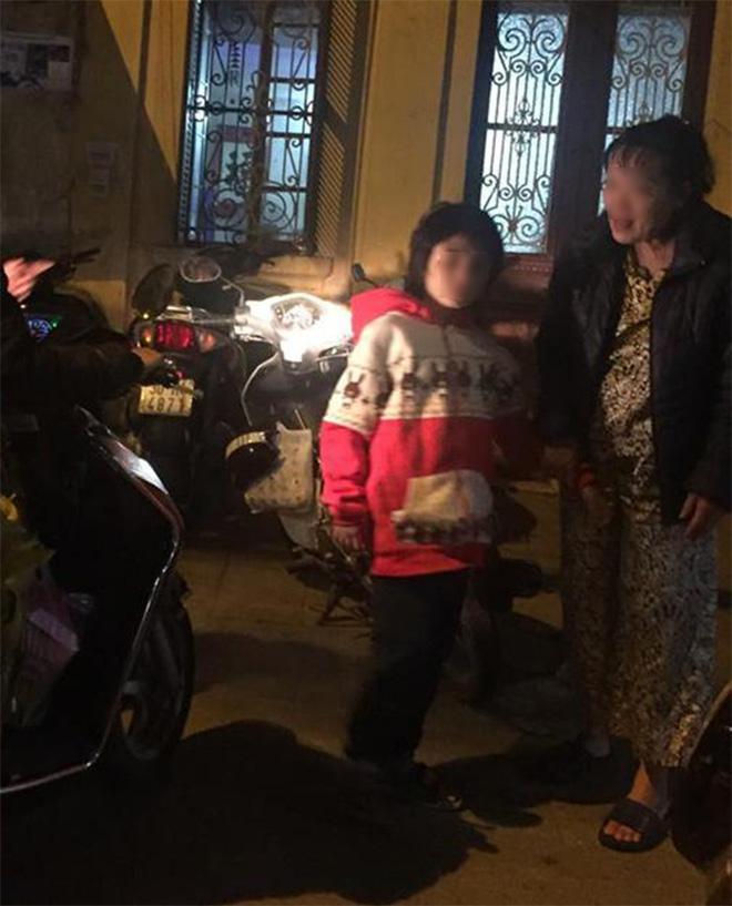 Hành trình chạy trốn khỏi ngục tù của bé trai 10 tuổi nghi bị bố và mẹ kế bạo hành ở Hà Nội-2