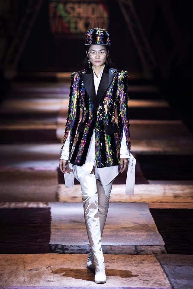 Đụng hàng đàn chị Tóc Tiên, fashion icon Châu Bùi vẫn ngời ngời khí chất-7
