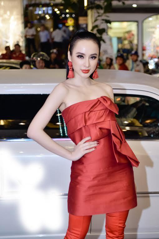 Đụng hàng đàn chị Tóc Tiên, fashion icon Châu Bùi vẫn ngời ngời khí chất-1