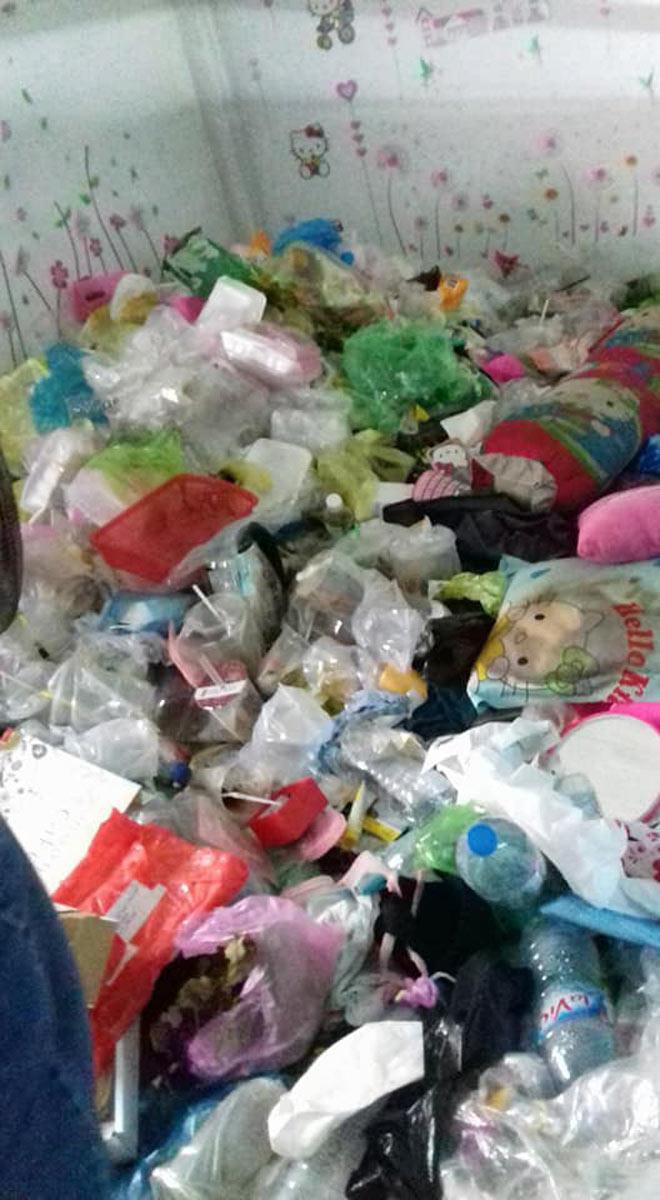 Kinh hoàng phòng trọ bẩn như bãi rác của cô gái Cần Thơ-4