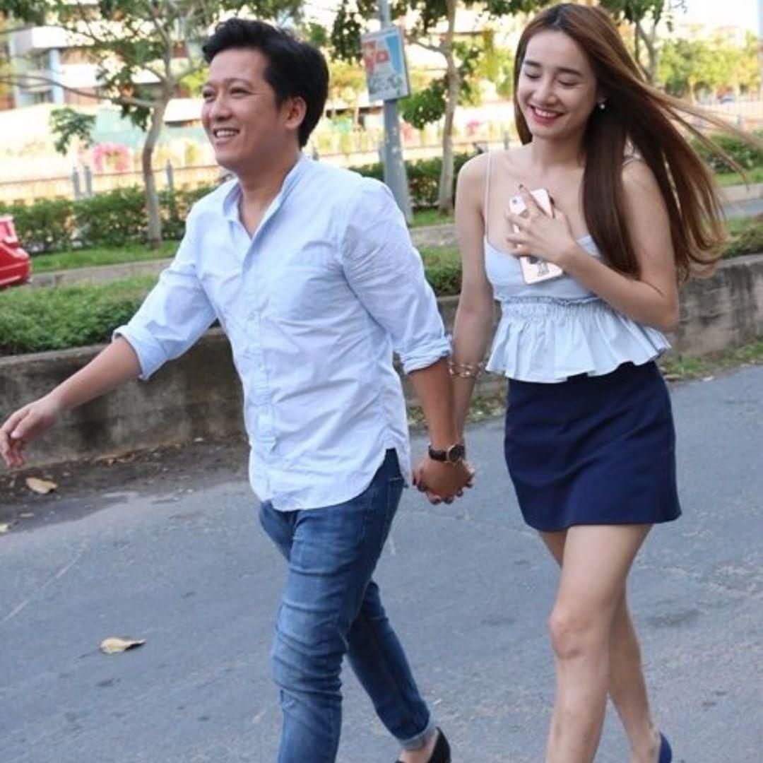 Tin sao Việt: Phan Như Thảo khoe khoảnh khắc cho con bú bất chấp địa hình-11