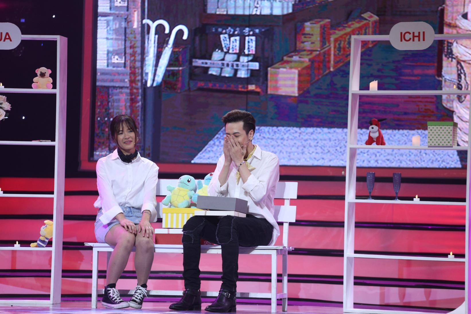 Bay từ Hàn Quốc về tỏ tình với Phí Ngọc Hưng, vậy mà cô gái này nhát đến nỗi không dám đọc kết quả-4