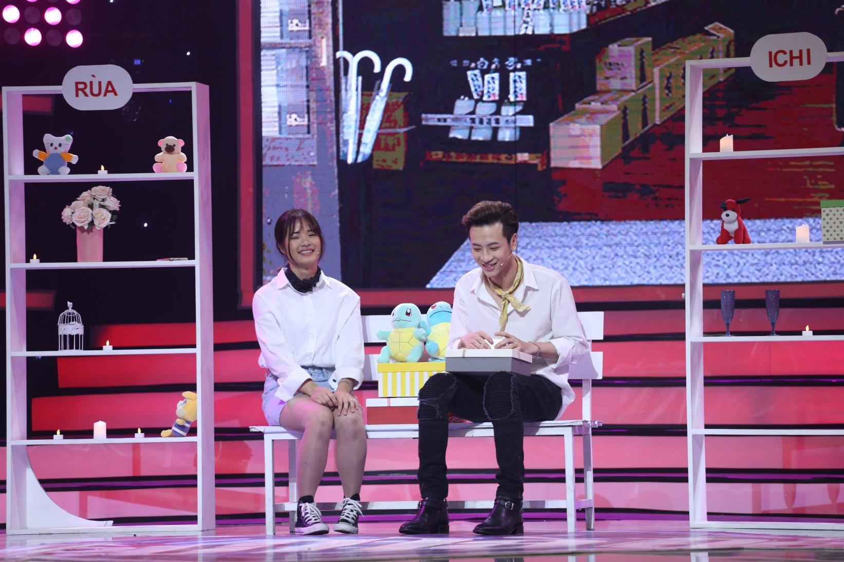 Bay từ Hàn Quốc về tỏ tình với Phí Ngọc Hưng, vậy mà cô gái này nhát đến nỗi không dám đọc kết quả-6