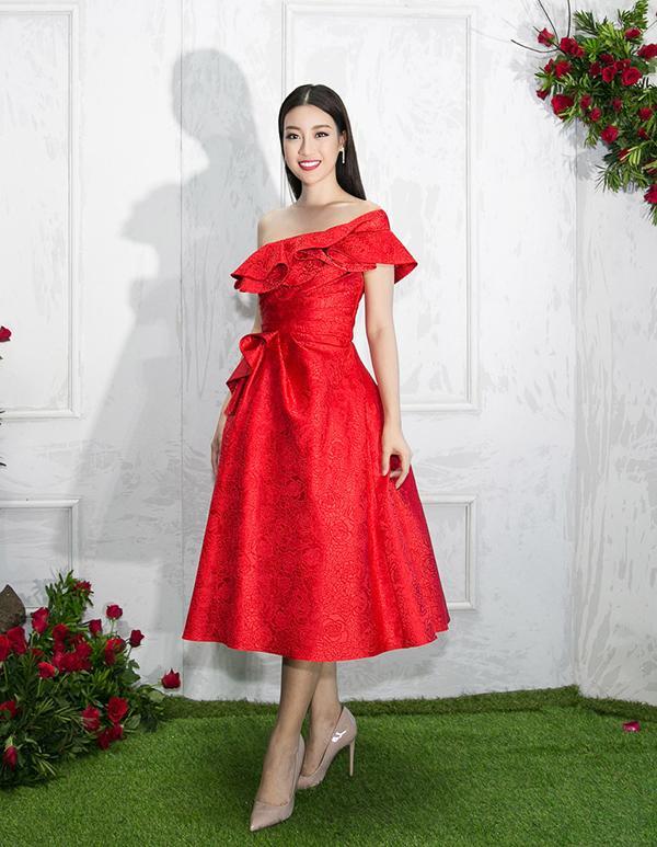 Bất chấp Phạm Hương cá tính nổi bật, Angela Phương Trinh vẫn chiếm spotlight thảm đỏ tuần này - ảnh 2