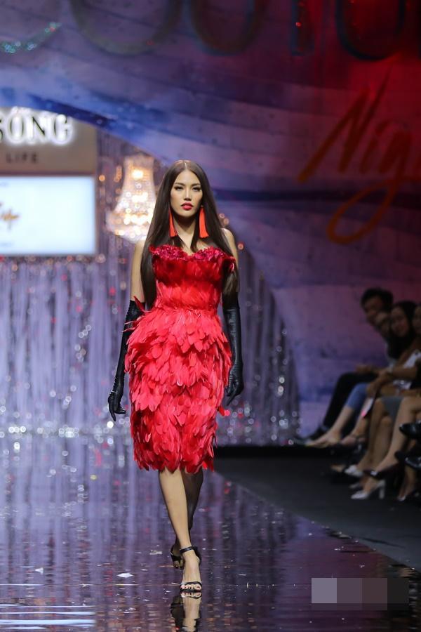 Bất chấp Phạm Hương cá tính nổi bật, Angela Phương Trinh vẫn chiếm spotlight thảm đỏ tuần này - ảnh 5