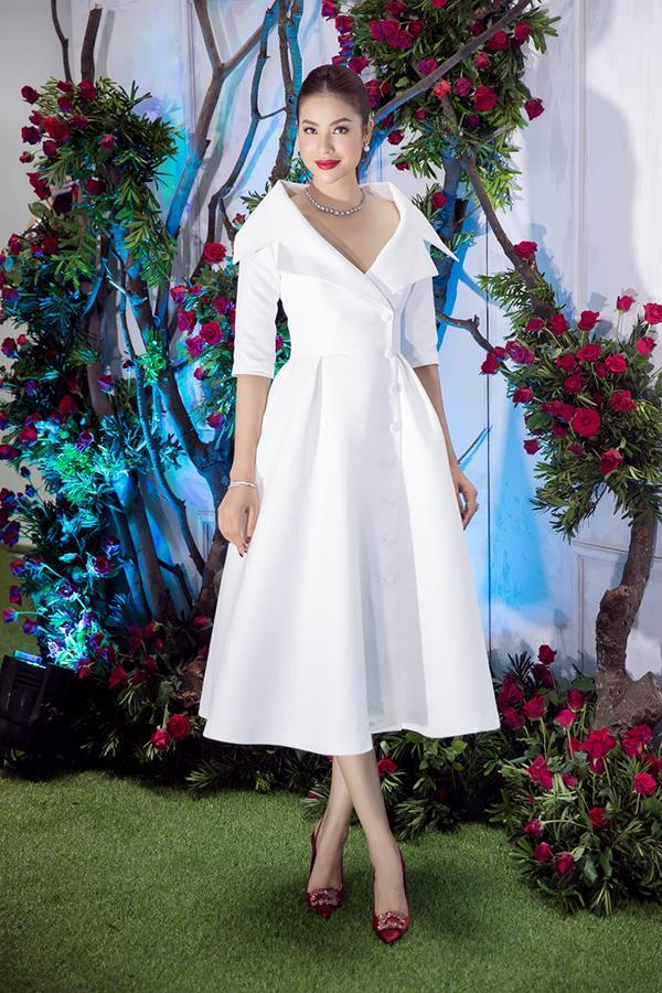 Bất chấp Phạm Hương cá tính nổi bật, Angela Phương Trinh vẫn chiếm spotlight thảm đỏ tuần này - ảnh 3