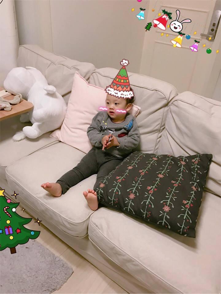 Hot girl - hot boy Việt 8/12: Ly Kute tận hưởng cuộc sống bình yên bên con trai tại Hàn Quốc-1