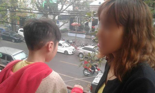 Dư luận chê vô tâm, mẹ đẻ bé trai 10 tuổi bị bố và dì ghẻ bạo hành nói gì?-1