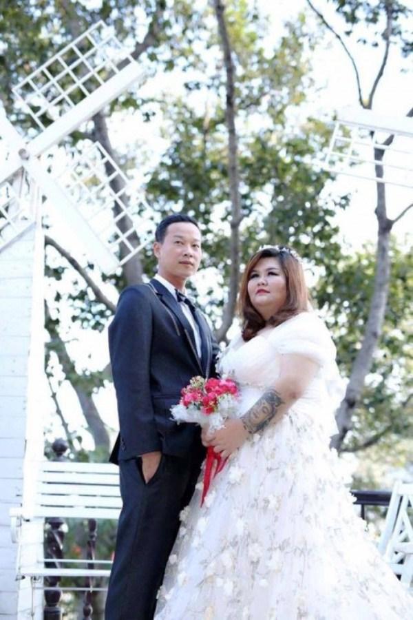 Chuyện tình gây chú ý của cặp đôi Bình Dương vợ 120kg, chồng nặng 60 kí-1