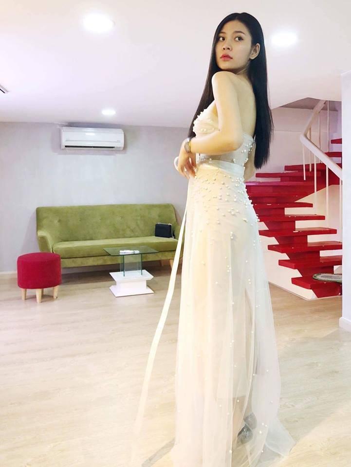 Vừa bỏ thi hoa hậu, Chúng Huyền Thanh bất ngờ đi thử váy và chụp ảnh cưới-2