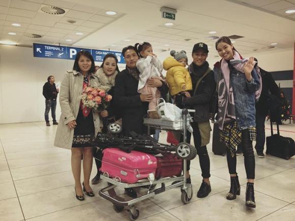 Kỳ Hân được mẹ chồng ra tận sân bay đón khi sang Cộng hòa Czech thăm nhà ông xã-1