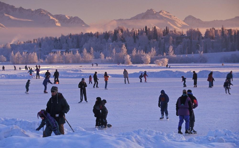 Sân trượt băng tự nhiên tuyệt đẹp trên thế giới-9