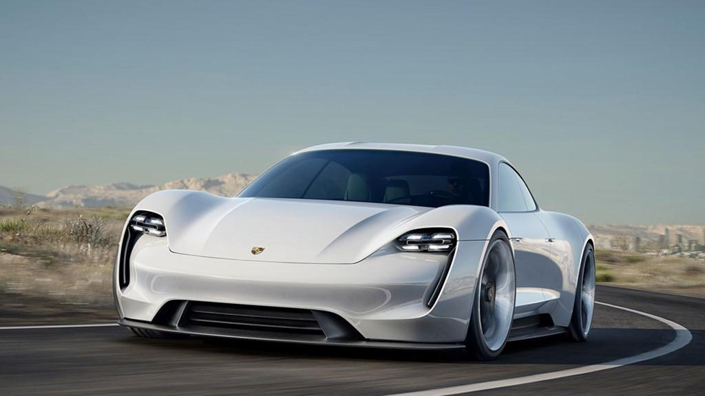Siêu sedan điện Porsche Mission E chạy thử nghiệm trên phố-6