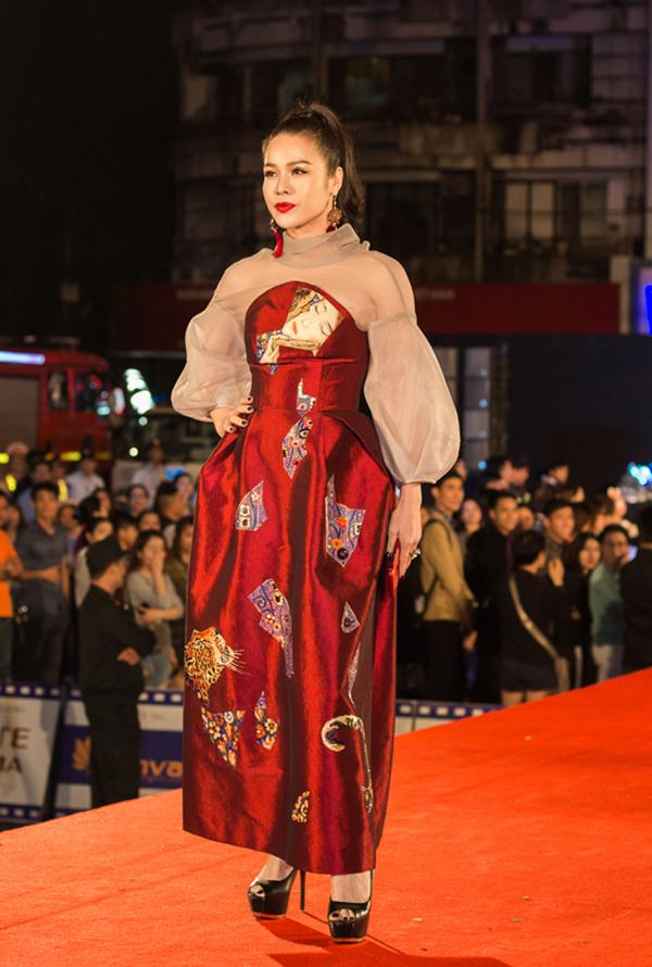 Diva Hồng Nhung lột xác khó hiểu - Thành Lộc phá vỡ quy tắc thời trang lọt top sao xấu-3