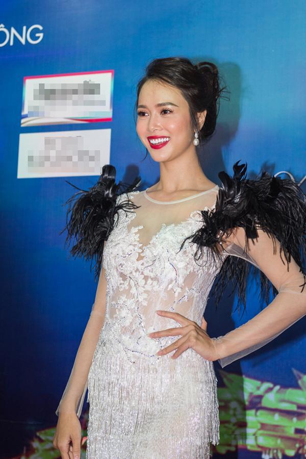 Diva Hồng Nhung lột xác khó hiểu - Thành Lộc phá vỡ quy tắc thời trang lọt top sao xấu-7