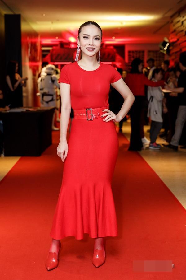 Diva Hồng Nhung lột xác khó hiểu - Thành Lộc phá vỡ quy tắc thời trang lọt top sao xấu-9
