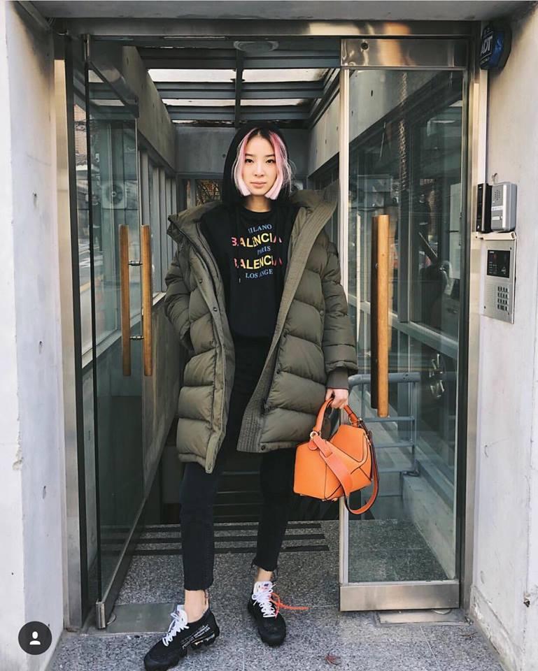 DJ Soda - Tiffany lên đồ sexy khoe vòng 1 gợi cảm nổi bật nhất street style sao Hàn-3