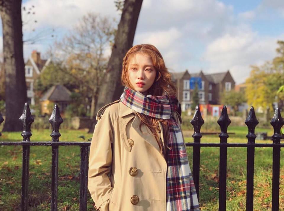 DJ Soda - Tiffany lên đồ sexy khoe vòng 1 gợi cảm nổi bật nhất street style sao Hàn-4
