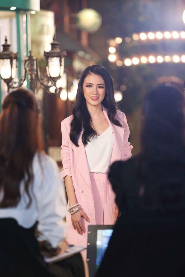 Vượt dàn chân dài đình đám, Vũ Tuyết Trang dẫn đầu thành tích tại Hoa hậu Hoàn vũ Việt Nam 2017-2