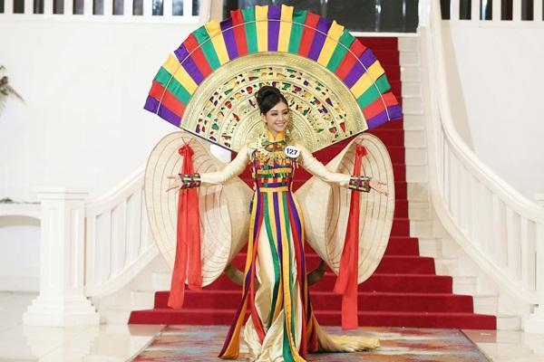 Vượt dàn chân dài đình đám, Vũ Tuyết Trang dẫn đầu thành tích tại Hoa hậu Hoàn vũ Việt Nam 2017-3