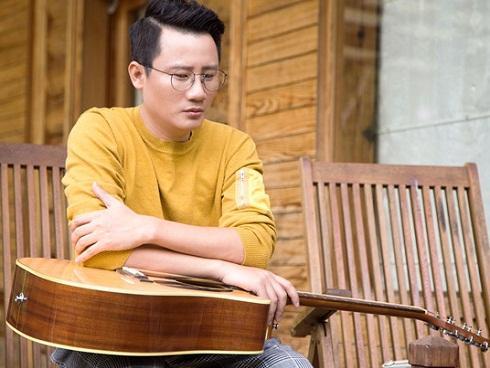 Hoàng Bách: Tôi đau lòng khi bị hỏi 'Anh còn đi hát không?'