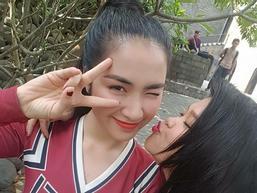 Clip: Chết cười với màn cầu hôn 'lầy lội' nhất quả đất của Hòa Minzy