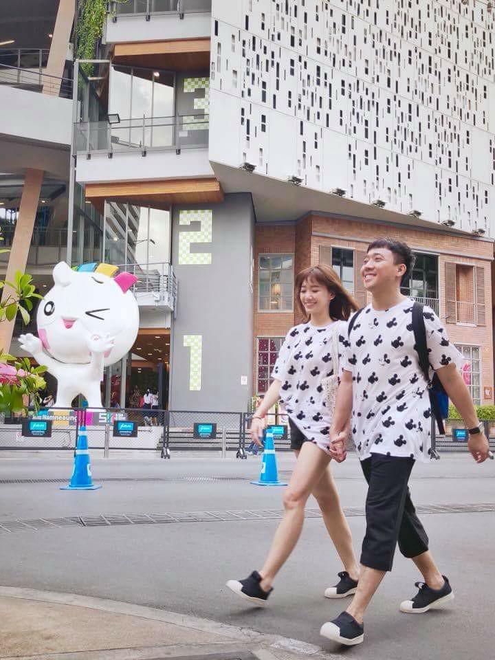Trấn Thành và Hari Won diện đồ chói chang không liên quan kỉ niệm 700 ngày yêu nhau-5