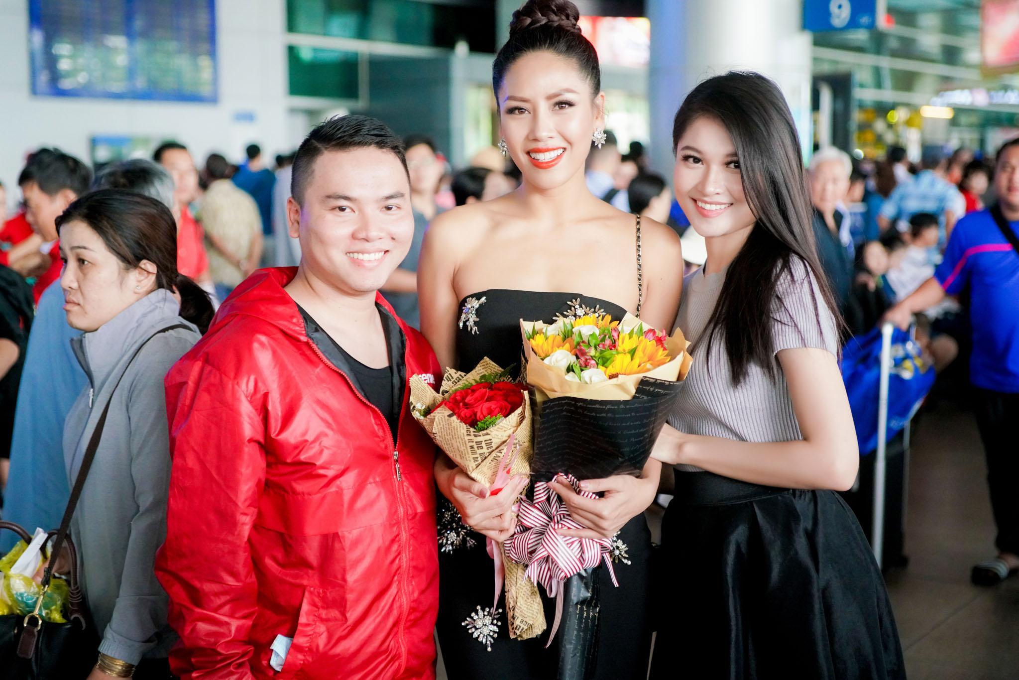 Nguyễn Thị Loan rạng rỡ ngày trở về trong vòng tay fans từ cuộc thi Miss Universe-5