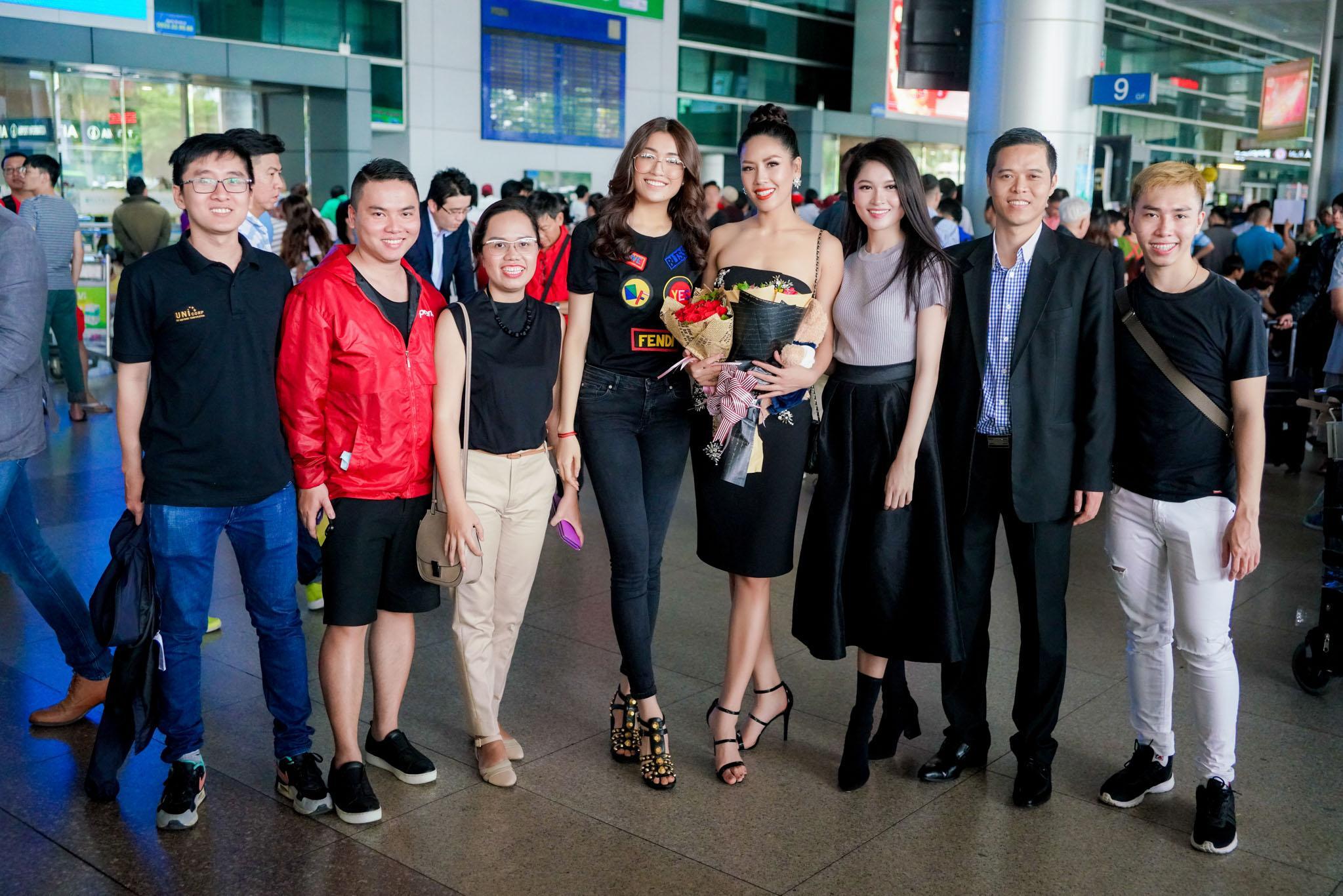 Nguyễn Thị Loan rạng rỡ ngày trở về trong vòng tay fans từ cuộc thi Miss Universe-6