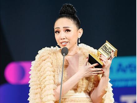 Hành trình đưa Tóc Tiên chạm tay vào chiếc cúp 'Nghệ sĩ xuất sắc nhất tại Việt Nam' của MAMA