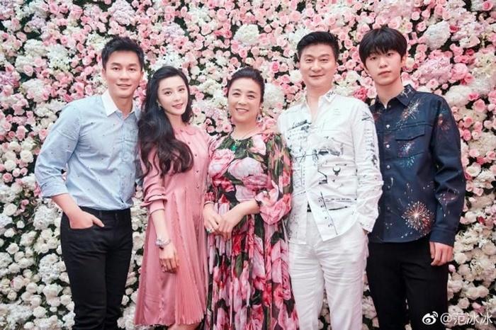 Vì sao suốt 17 năm người ta vẫn tin Phạm Băng Băng là mẹ đẻ của chính em trai mình?-6