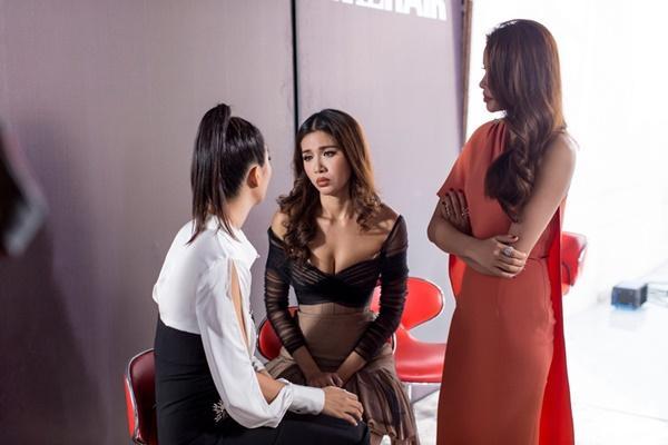 Chỉ vì quá sexy mà Minh Tú và Dung Doll đối đầu căng thẳng tại The Look 2017-5