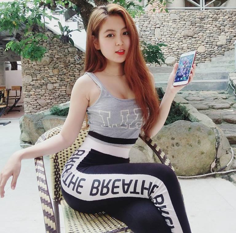 Nữ sinh Sài Gòn được mệnh danh hot girl vòng eo 58-4