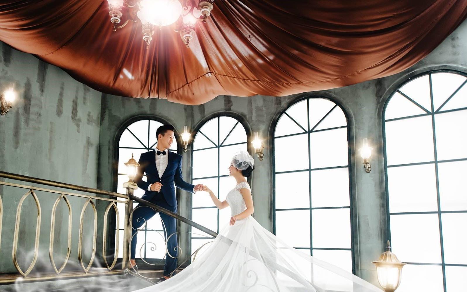 Hé lộ ảnh cưới đẹp lung linh của trung vệ Quế Ngọc Hải và bạn gái hoa khôi-5