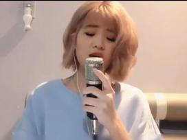 Cô nàng xinh đẹp 'gây nghiện' người nghe với loạt ca khúc 'gối đầu giường' của thế hệ 8X