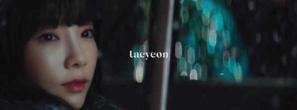 Taeyeon trở lại với MV giáng sinh đầy xúc động về tình cha con-4