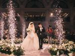 Choáng ngợp đám cưới 'vạn hoa', cô dâu hạnh phúc trong bộ váy cưới đính 5.000 viên pha lê