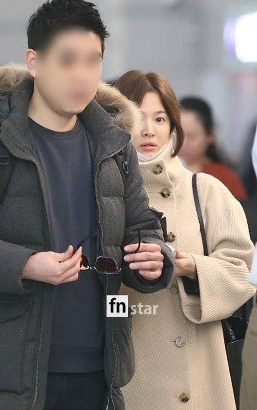 Song Hye Kyo xuất hiện với mặt mộc, thần thái kém sắc sau tuần trăng mật-4
