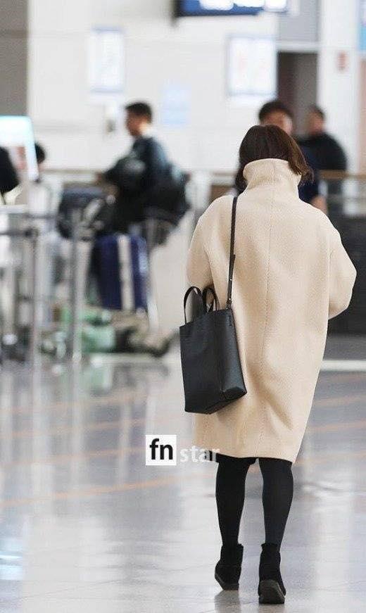 Song Hye Kyo xuất hiện với mặt mộc, thần thái kém sắc sau tuần trăng mật-5