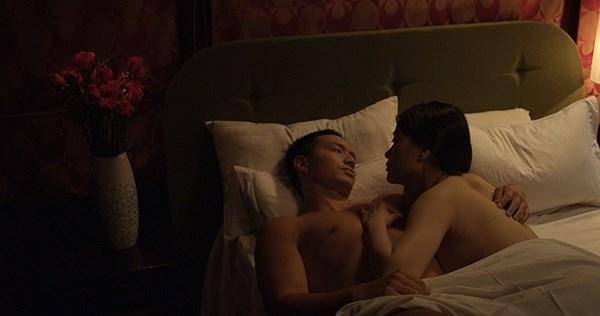 Những cảnh nóng để đời của Kim Lý khiến Hà Hồ phải đỏ mặt khi xem lại-2