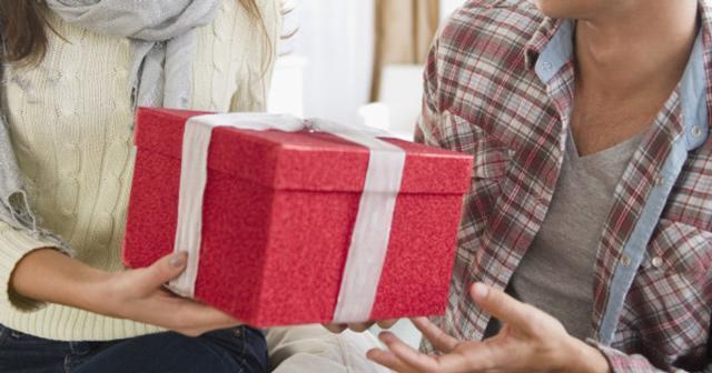 Ra mắt gia đình người yêu dịp cuối năm, làm sao để được bố mẹ chàng yêu quý?-1