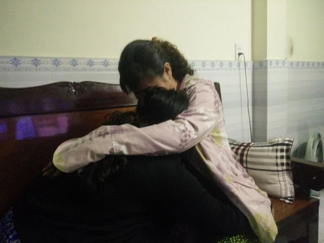 Tâm sự như dao cứa vào lòng của mẹ nữ sinh 13 tuổi: Đưa cha đi chạy thận, con bị hiếp dâm nhiều lần-1