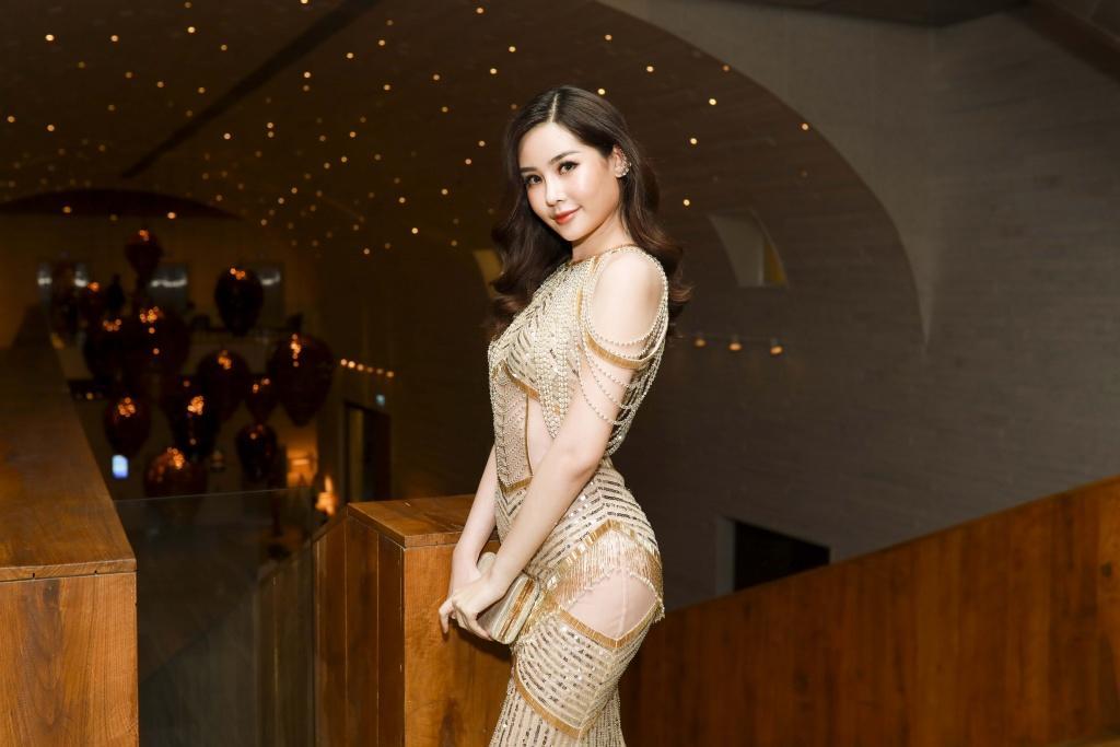 Sau 2 tháng đăng quang, nhan sắc Hoa hậu Đại dương Lê Âu Ngân Anh đã có nhiều thay đổi-4