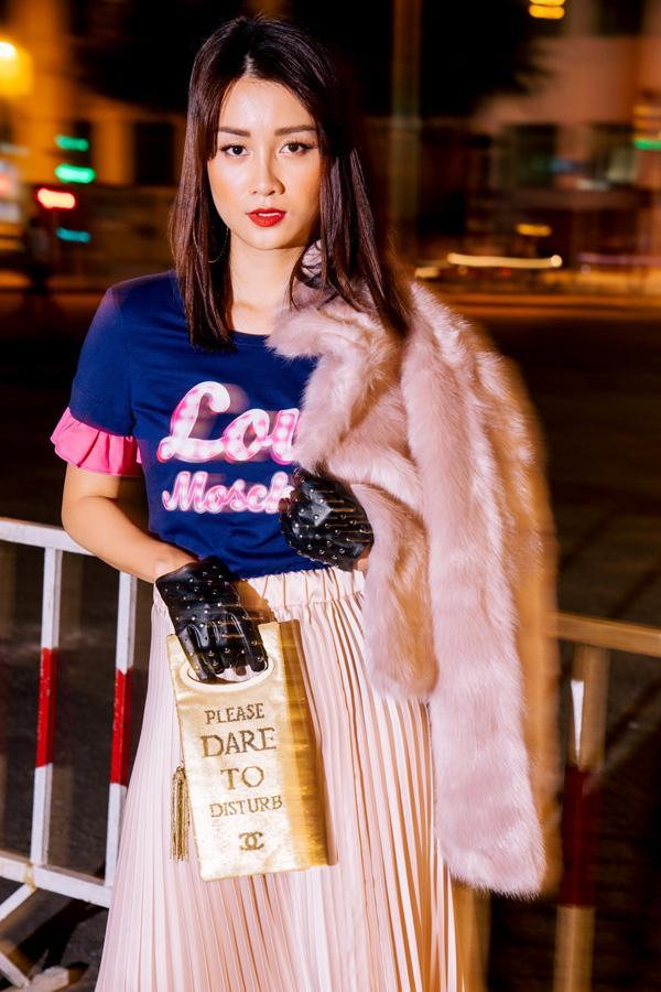 Street style đêm Sài Gòn toàn hàng hiệu của MC Quỳnh Chi-3