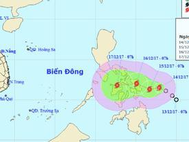 Bão giật cấp 10 áp sát biển Đông