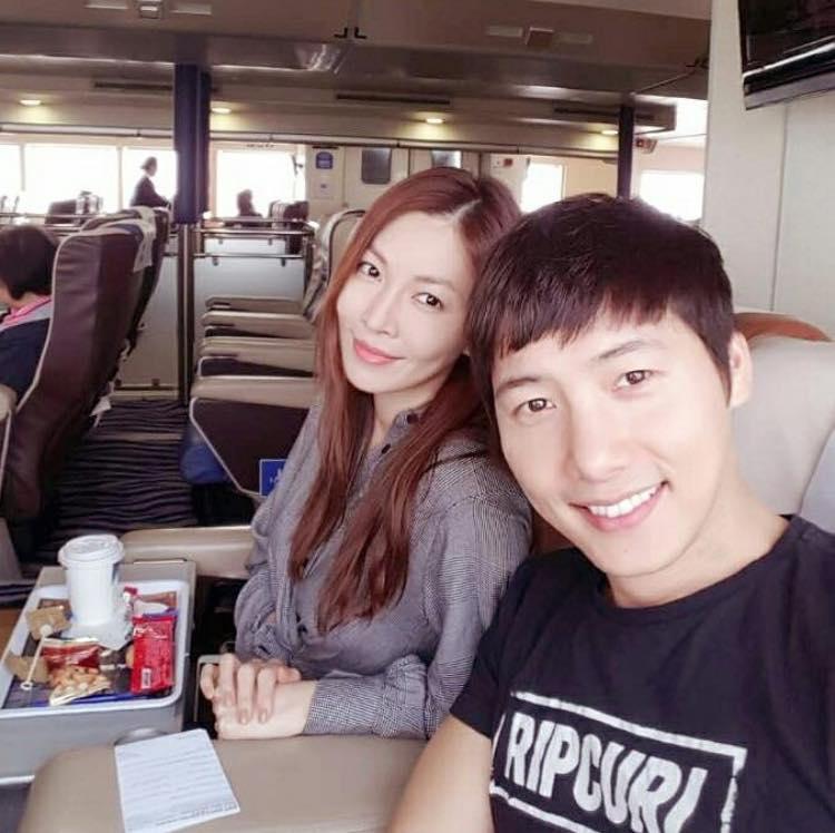 Sao Hàn 14/12: Song Hye Kyo xinh đẹp tuyệt vời trong bức ảnh chụp lén-5