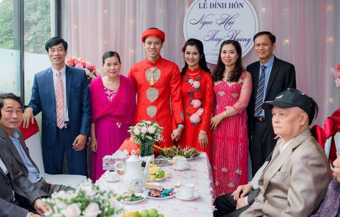 Hot boy Quế Ngọc Hải và vợ mặc màu đỏ trong lễ ăn hỏi-2