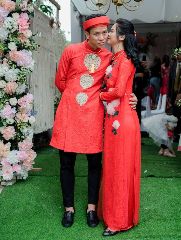 Hot boy Quế Ngọc Hải và vợ mặc màu đỏ trong lễ ăn hỏi-7