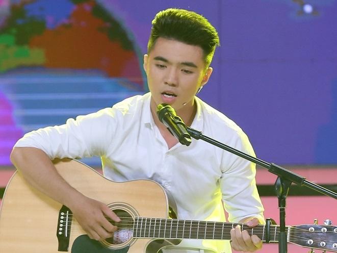 'Vì yêu mà đến': Chân thành tỏ tình nhưng Oanh Kiều chỉ coi trai trẻ kém 8 tuổi là 'Em trai mưa'