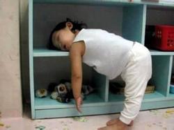 Chết cười với những pha ngủ gật 'không giống ai'